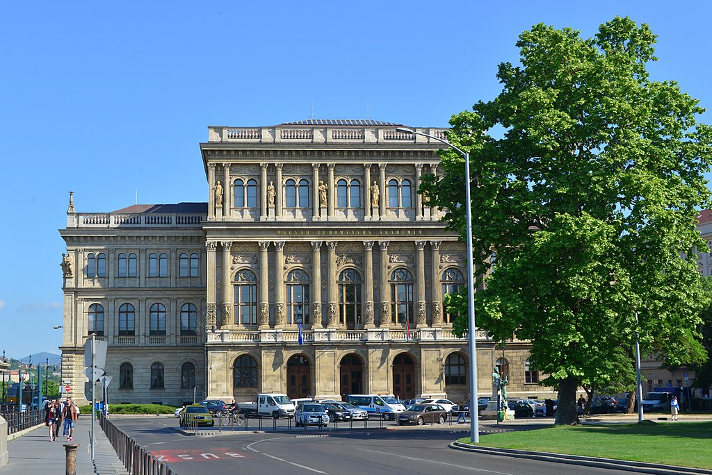 1024px Hungarian Academy of Sciences in Budapest Lipótváros 1054 Hungary panoramio 81