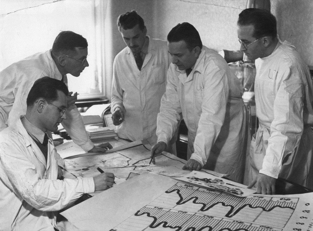 Karel Raška se svými spolupracovníky
