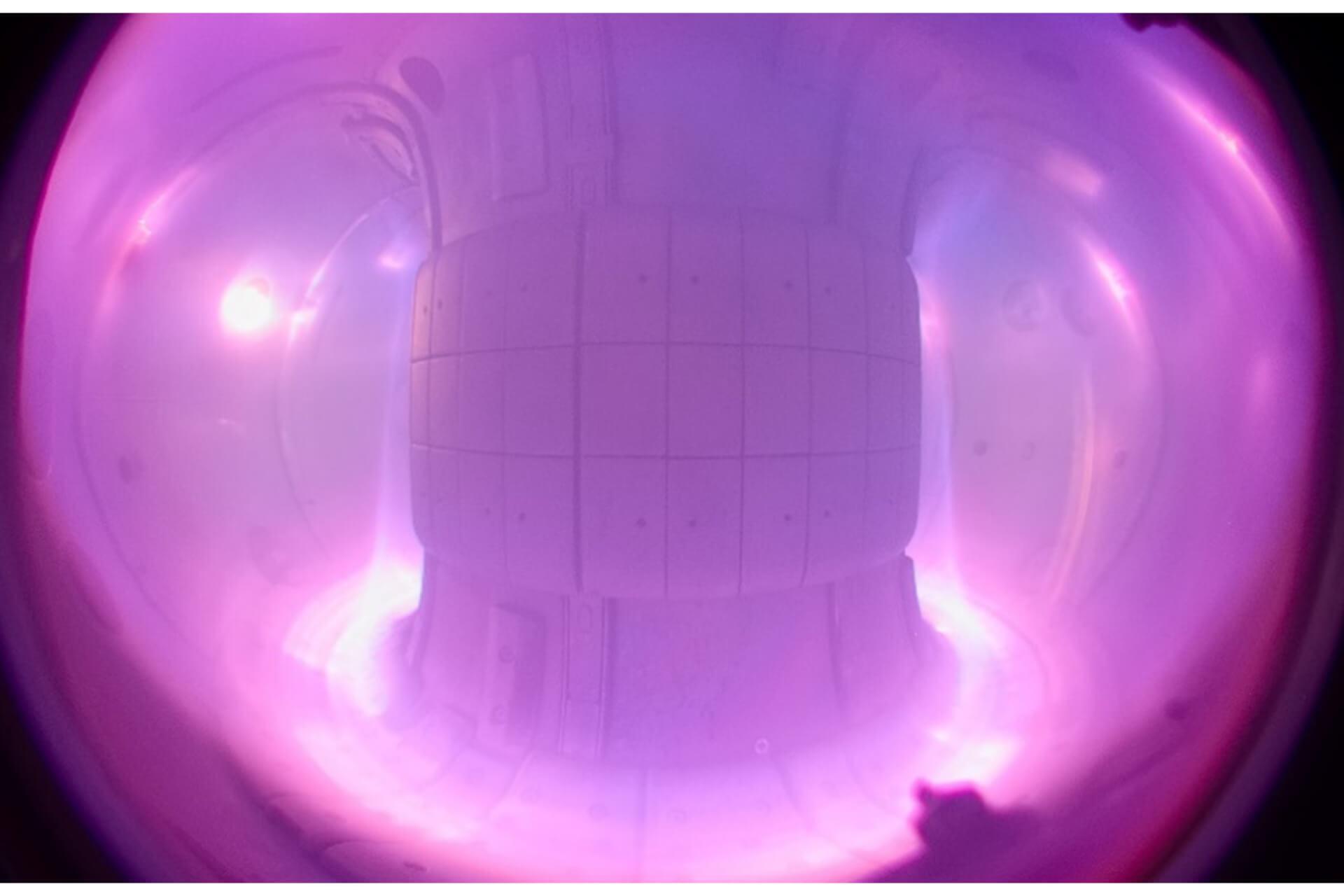 foto č. 1 COMPASS plasma scaled