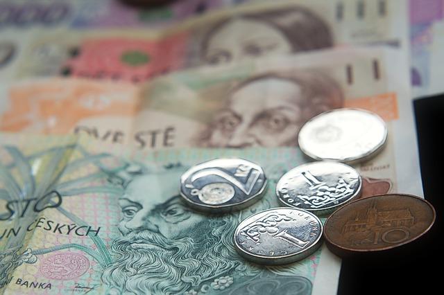 money 3536346 640