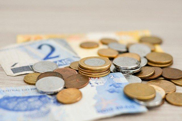 money 1632055 640